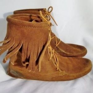 Womens MINNETONKA Suede Fringe Ankle Boots